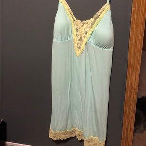 Victoria's Secret blue/green nightie M